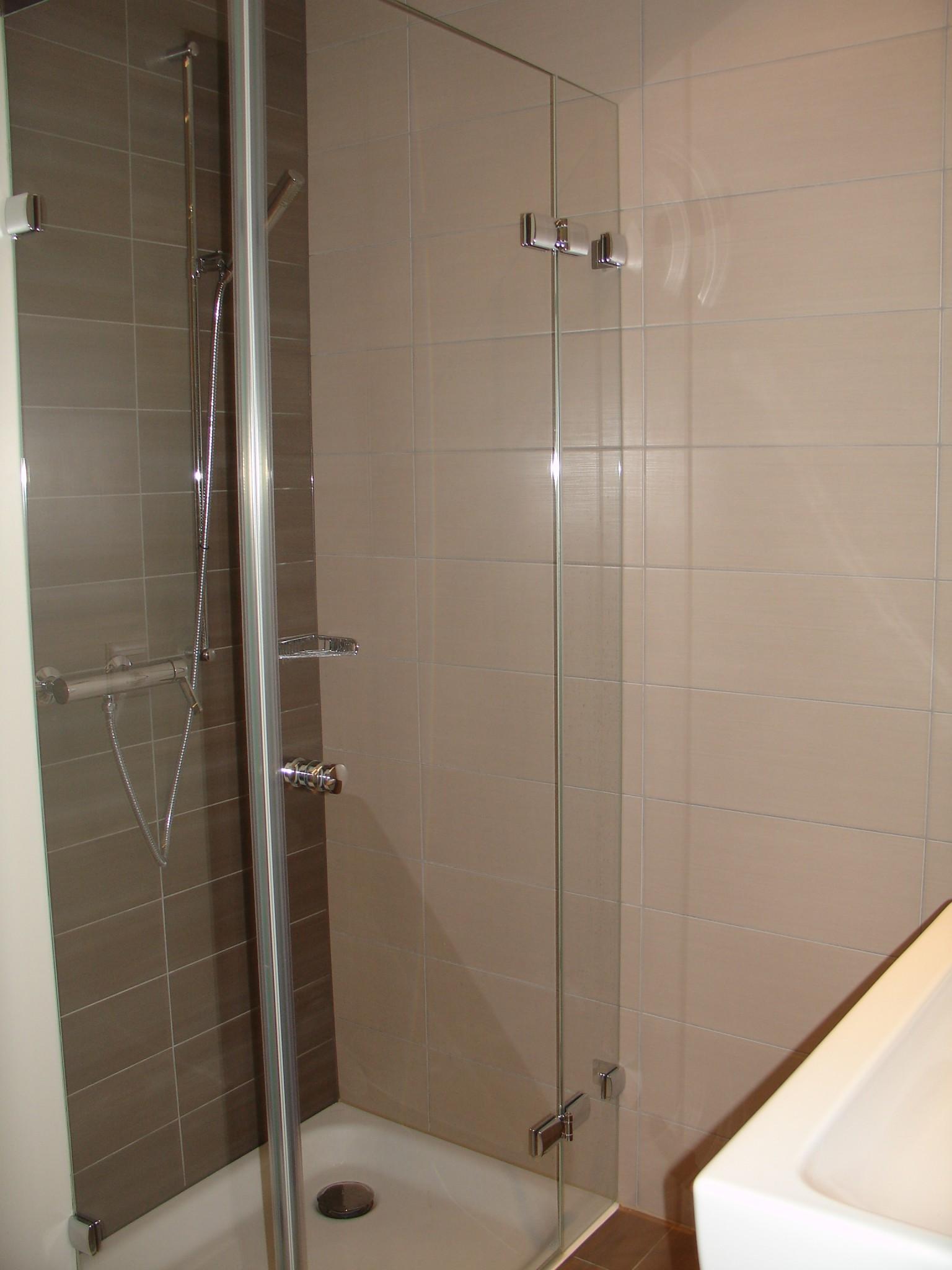 Agencement Salle de bains - Alphaverre SA - Vitrerie ...